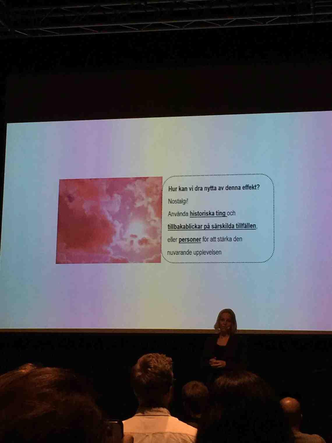 Pink cloud positiva minnen förstärks upplevelser
